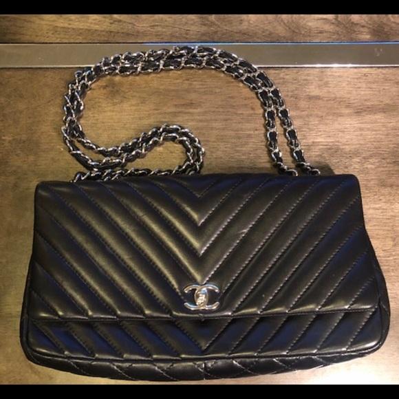 75b884b7559d CHANEL Handbags - CHANEL Lambskin Surpique Chevron Large Flap Black